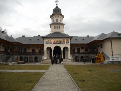 ... Manastirea Sf Ilie-Toplita ...